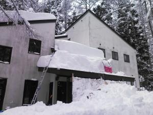 恒例の屋根雪おろし