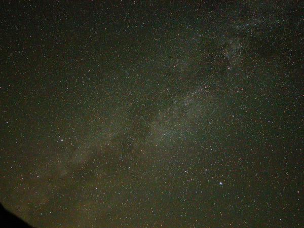 夜空に広がる天の川