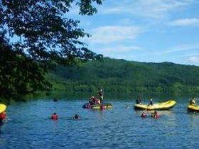《高透明度》青木湖畔を探検!ラフトピクニック体験