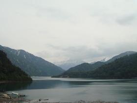 ダムより望む「黒部湖」